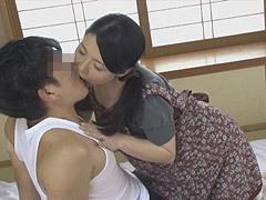 熟女ストレート:月島小菊 義母さん、僕もう我慢できません!先っぽだけ挿入させて下さい…