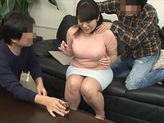 熟女ストレート : 牧村彩香 母親をスケベなオンナに豹変させた息子たち