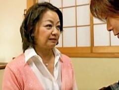 ダイスキ!人妻熟女動画 : 六十路の熟女デリヘル嬢を呼んだら婆ちゃんが来ちゃった! 岩下菜津子