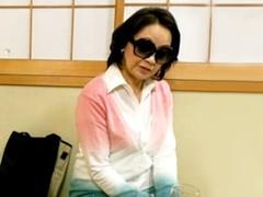 高齢人妻熟女動画 あっふ〜ん : 六十路の高齢熟女デリヘル呼んだらうちのバアちゃんだったw 岩下菜津子