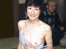 ダイスキ!人妻熟女動画 : 痩せぎすな六十路母をガン突きして閉経マ○コに中出しする息子 加山忍