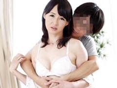 ダイスキ!人妻熟女動画 : 「母さんは僕だけのモノなんだい!」夫の横で息子に寝取られる五十路母! 安野由美