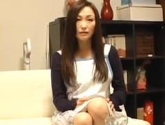 ダイスキ!人妻熟女動画 : 四十路妻が不倫相手に夫が熟睡している隣で娘と親子丼セックスさせられる 美山蘭子