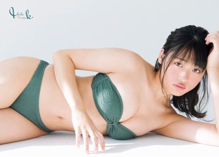石田桃香の画像008