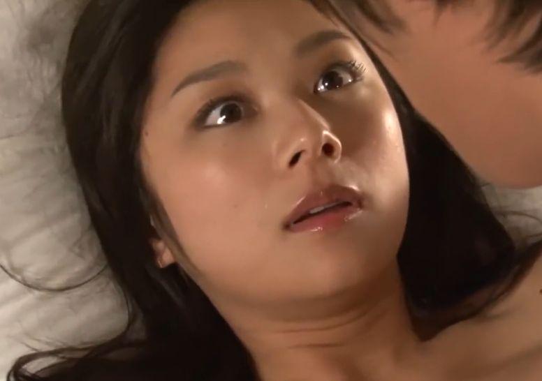 【小池栄子】ホテルに着き迫られて戸惑いながらも感じ始める濡れ場