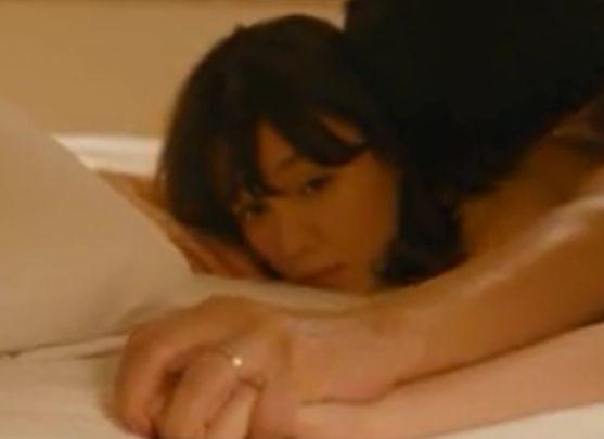 【トリンドル玲奈】官能的な艶技を見せつける濡れ場