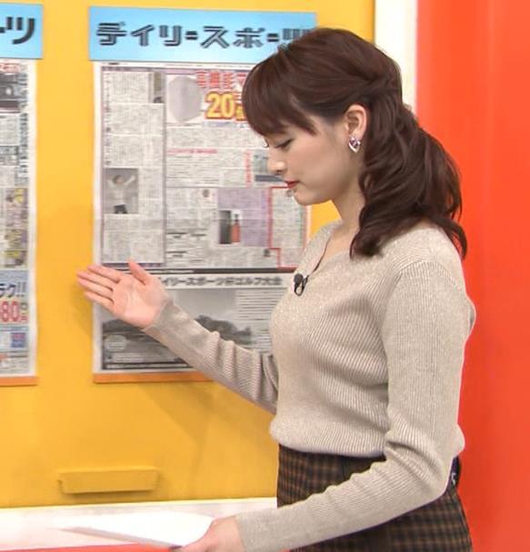 新井恵理那 セクシーニットキャプ・エロ画像4