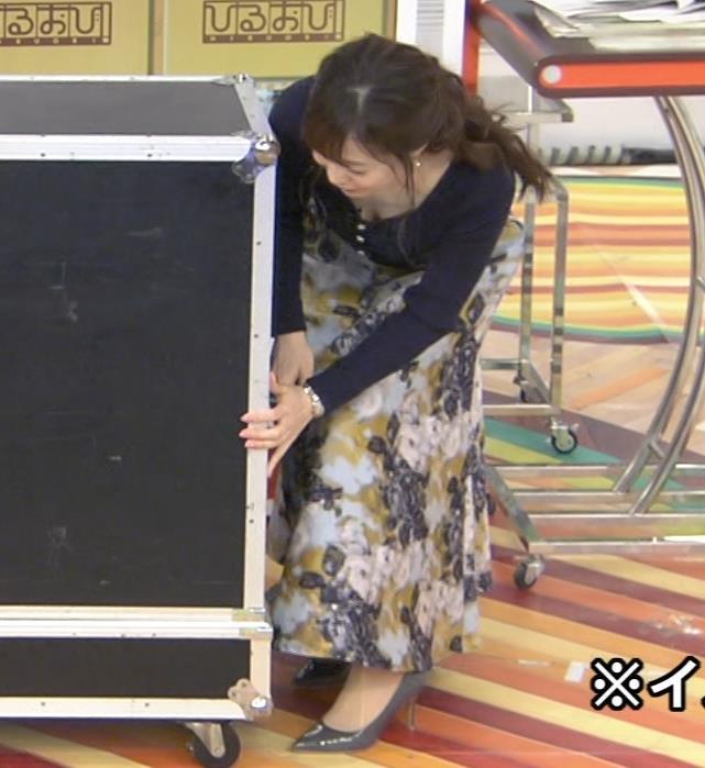 江藤愛アナ 胸ちらハプニングキャプ・エロ画像3