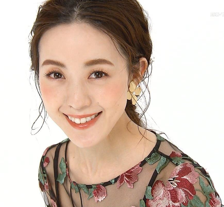 古谷有美アナ 透け透け衣装キャプ・エロ画像5