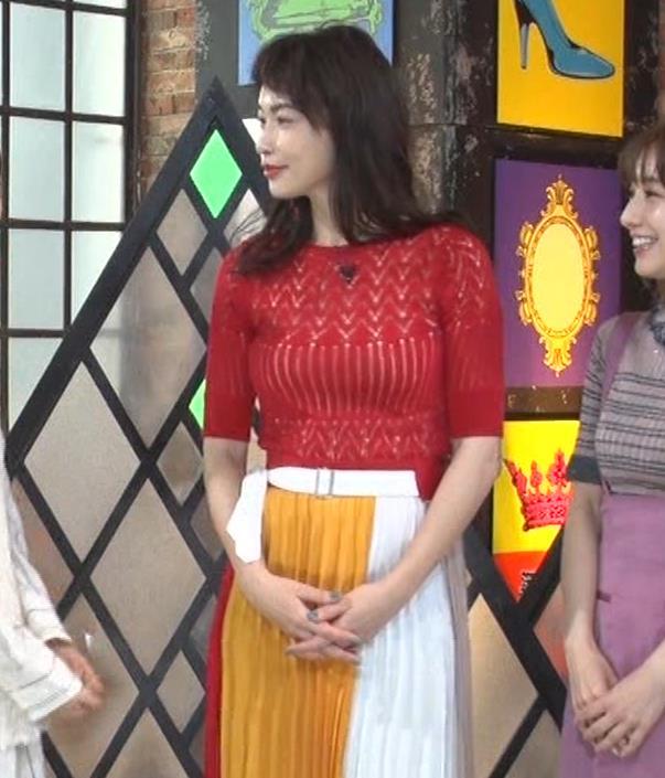 長谷川京子 ピチピチな衣装のエロ過ぎおっぱいキャプ・エロ画像3