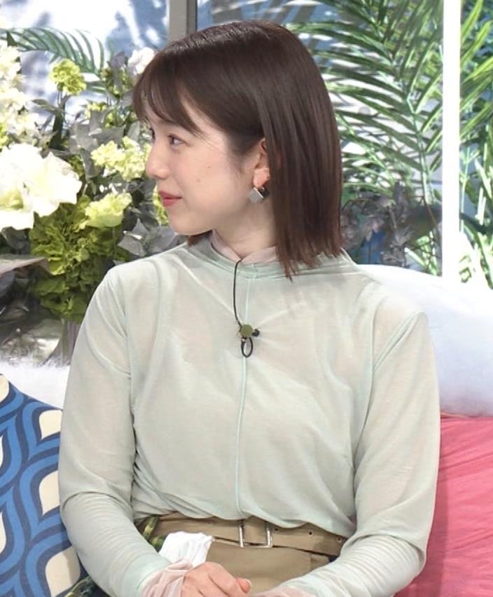 弘中綾香アナ 乳寄せキャプ・エロ画像