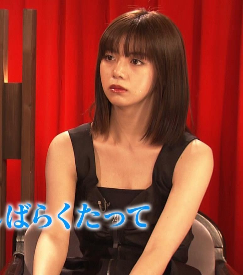 池田エライザ ノースリーブのエロいワキキャプ・エロ画像11