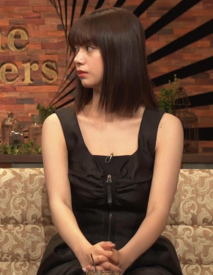 池田エライザ ノースリーブのエロいワキキャプ・エロ画像4
