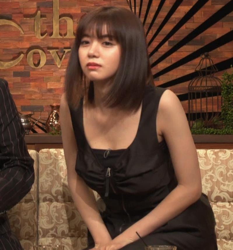 池田エライザ ノースリーブのエロいワキキャプ・エロ画像9