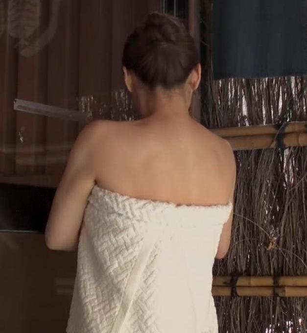 井口綾子 温泉入浴シーンキャプ・エロ画像2