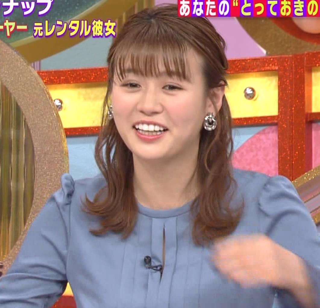 井口綾子 セクハラに負けて胸元見せ&縄跳び乳揺れキャプ・エロ画像10