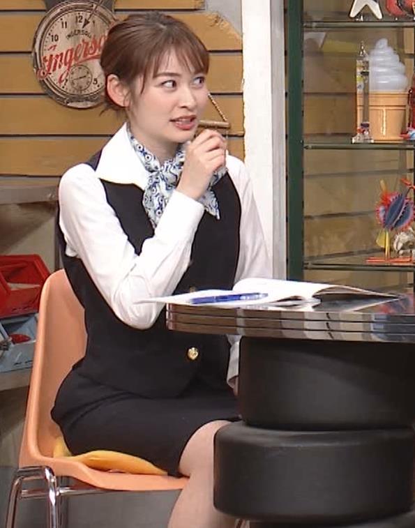 岩田絵里奈アナ CAコスプレがエロかわいいキャプ・エロ画像4
