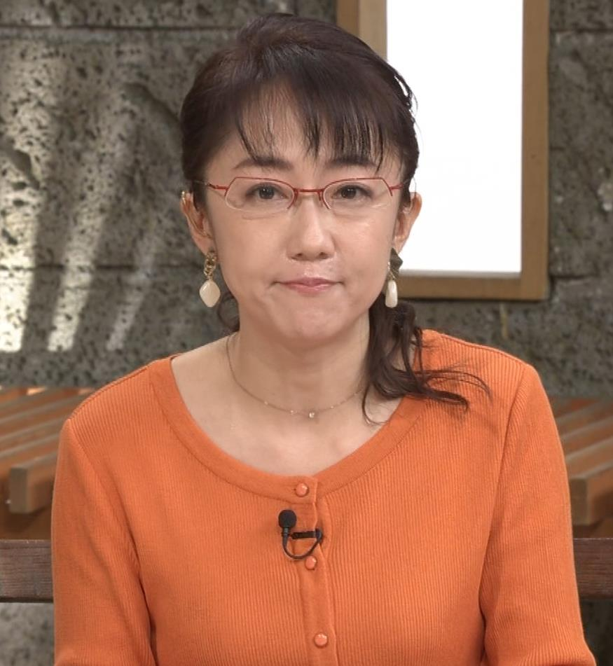 唐橋ユミ デカい横乳キャプ・エロ画像8