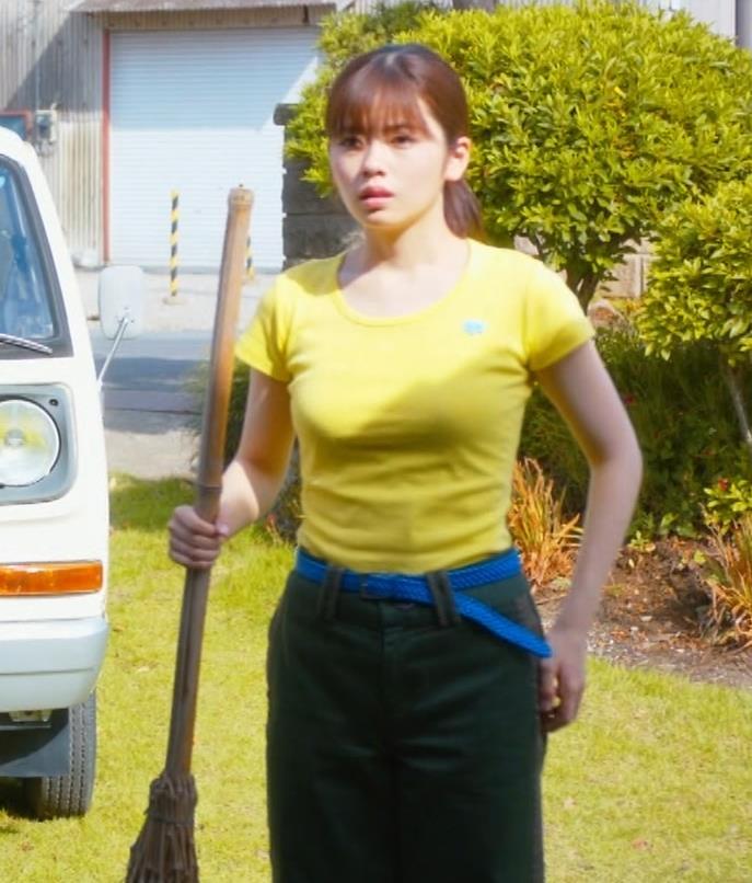 小芝風花 胸が大きくてTシャツおっぱいがエロいキャプ・エロ画像