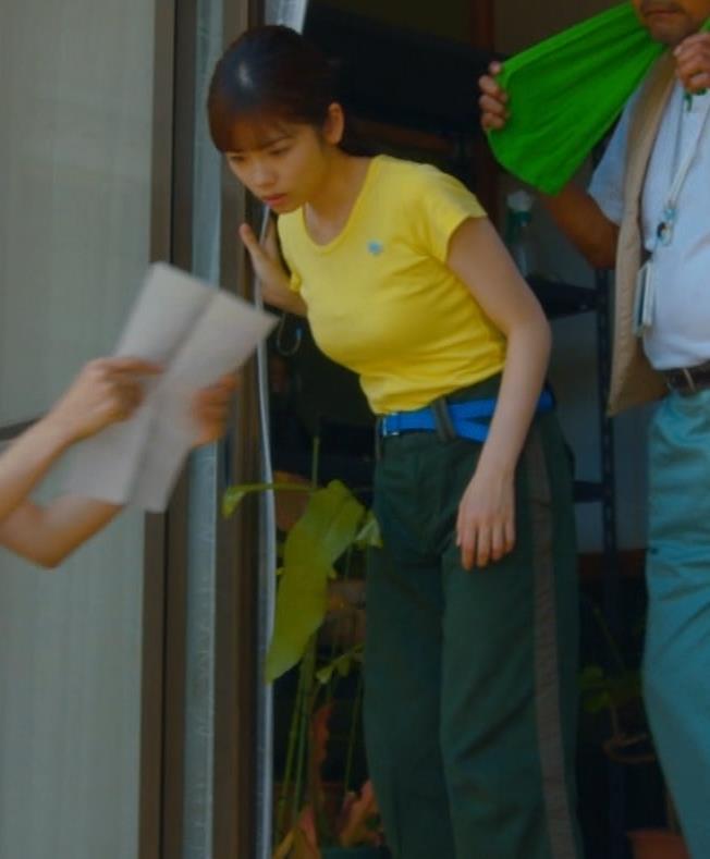 小芝風花 胸が大きくてTシャツおっぱいがエロいキャプ・エロ画像10