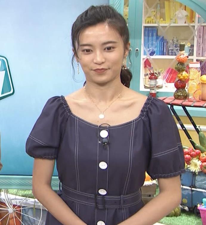 小島瑠璃子 鎖骨露出キャプ・エロ画像