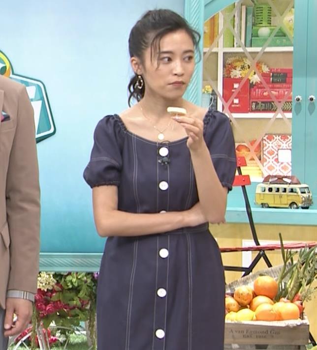 小島瑠璃子 鎖骨露出キャプ・エロ画像6