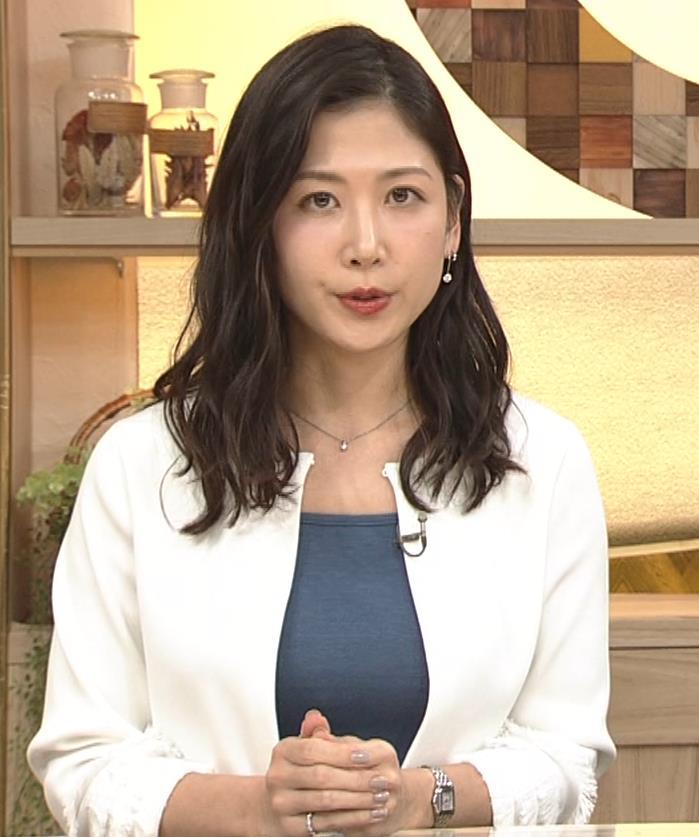 桑子真帆アナ 巨乳が猛アピールしてたよキャプ・エロ画像