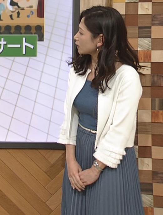 桑子真帆アナ 巨乳が猛アピールしてたよキャプ・エロ画像12