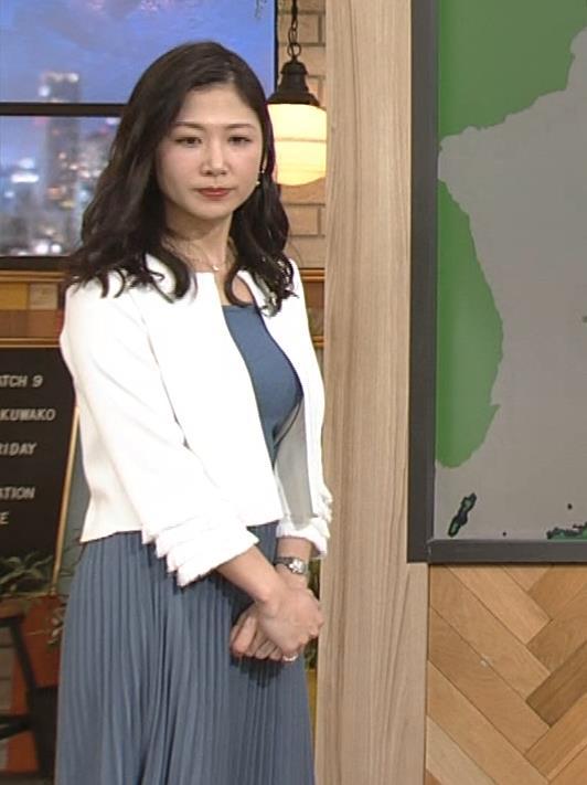 桑子真帆アナ 巨乳が猛アピールしてたよキャプ・エロ画像14