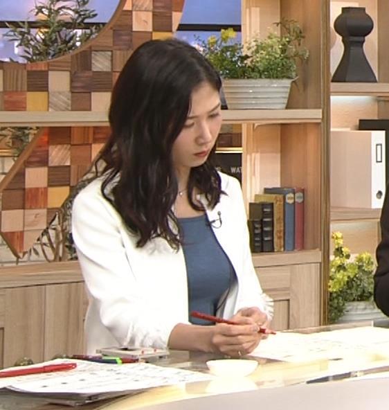 桑子真帆アナ 巨乳が猛アピールしてたよキャプ・エロ画像5