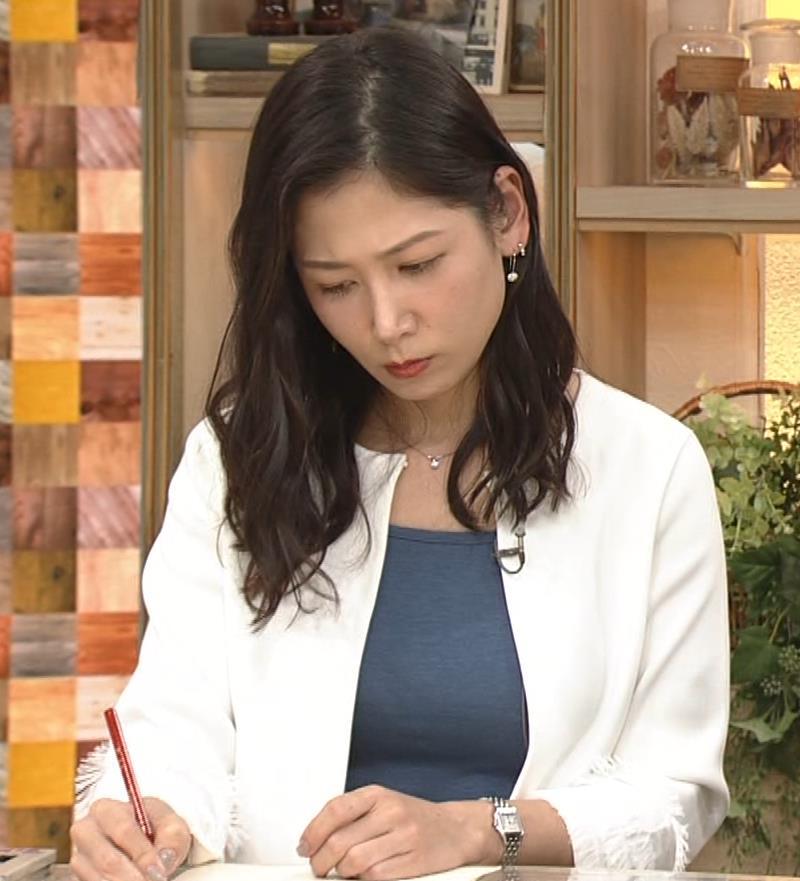桑子真帆アナ 巨乳が猛アピールしてたよキャプ・エロ画像6