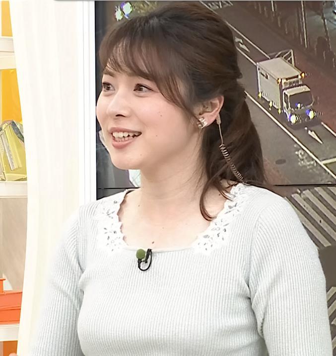 皆川玲奈アナ 朝からエロい横乳キャプ・エロ画像4