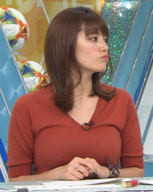 三谷紬アナ 巨乳がピチピチな服キャプ・エロ画像4