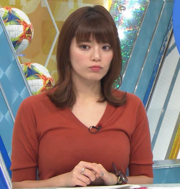 三谷紬アナ 巨乳がピチピチな服キャプ・エロ画像5