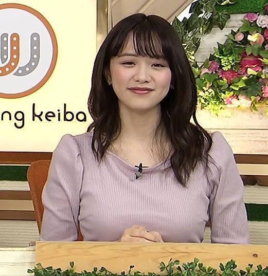 森香澄アナ 巨乳を押しつぶす競馬番組キャプ・エロ画像4