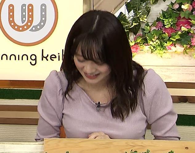 森香澄アナ 巨乳を押しつぶす競馬番組キャプ・エロ画像8