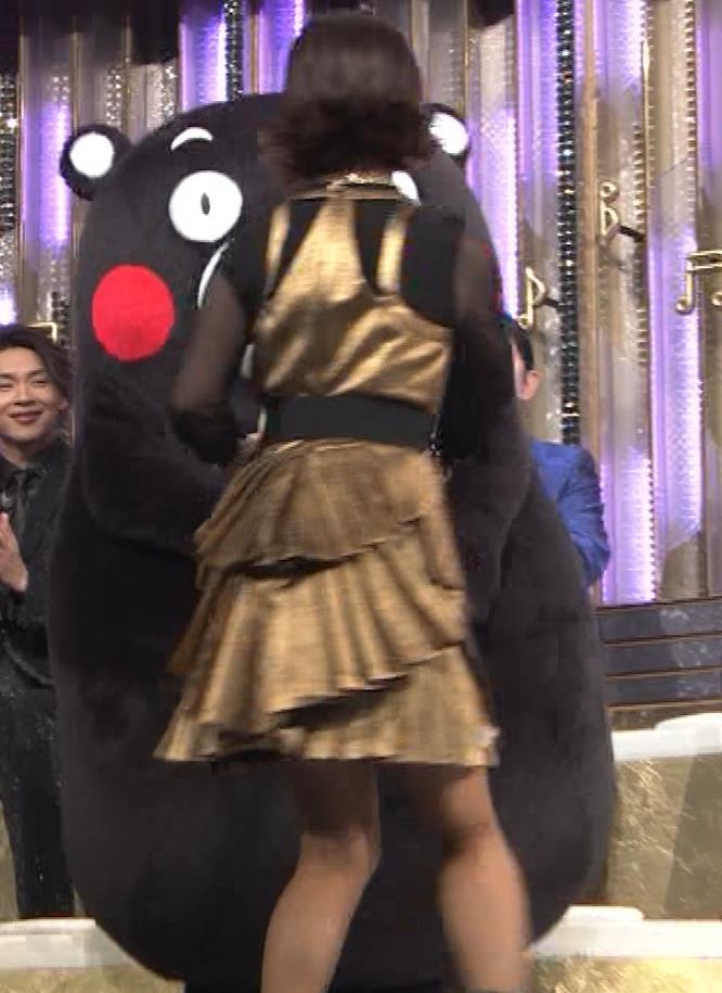 森高千里 ミニスカート(50歳)キャプ・エロ画像4