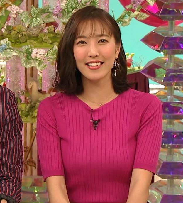 小澤陽子アナ おっぱいのデカさが際立つニットキャプ・エロ画像11