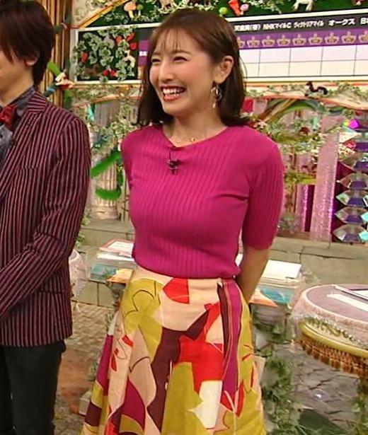 小澤陽子アナ おっぱいのデカさが際立つニットキャプ画像(エロ・アイコラ画像)