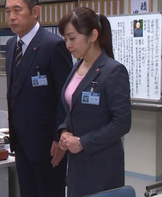 斉藤由貴 熟女巨乳プルンキャプ・エロ画像