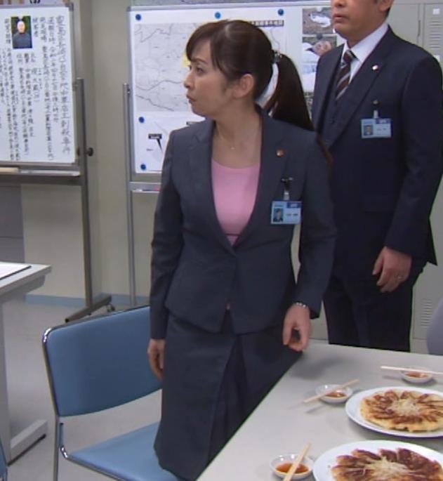 斉藤由貴 熟女巨乳プルンキャプ・エロ画像3