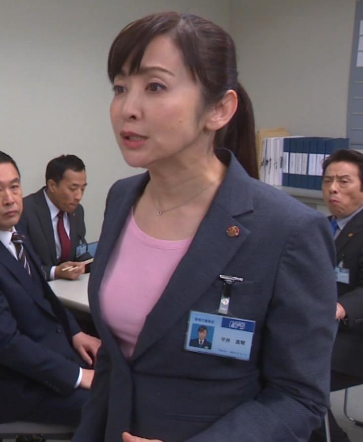 斉藤由貴 熟女巨乳プルンキャプ・エロ画像7