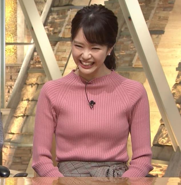 下村彩里アナ ニット微乳キャプ・エロ画像12