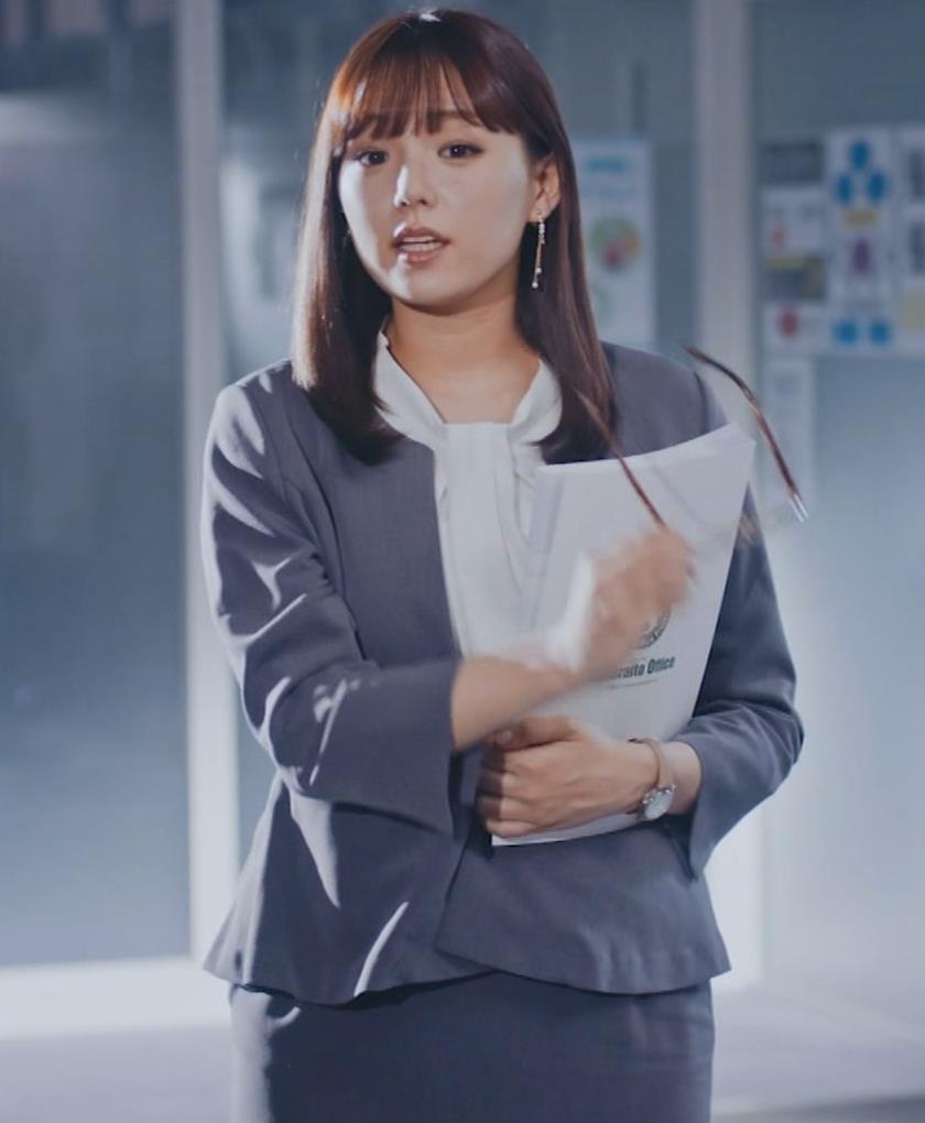 篠崎愛 こんなかわいい子と一緒に働きたくなるCMキャプ・エロ画像3