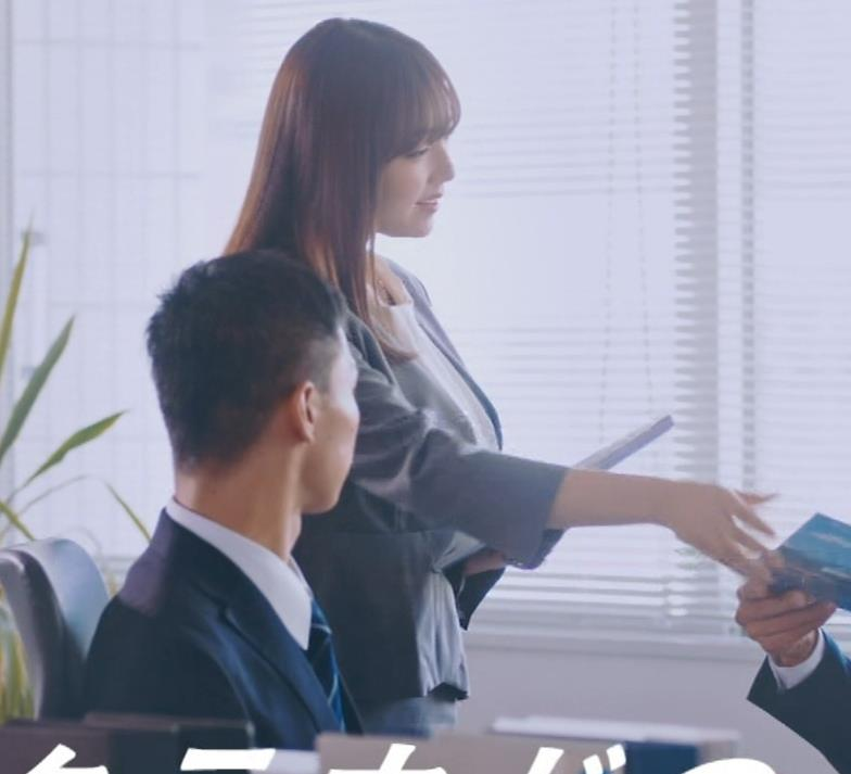 篠崎愛 こんなかわいい子と一緒に働きたくなるCMキャプ・エロ画像6