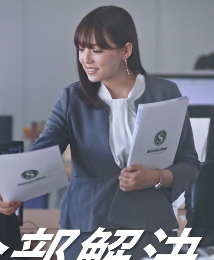 篠崎愛 こんなかわいい子と一緒に働きたくなるCMキャプ・エロ画像7