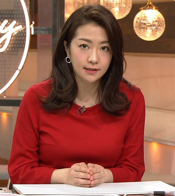 副島萌生アナ デカさが際立つ横乳キャプ・エロ画像2