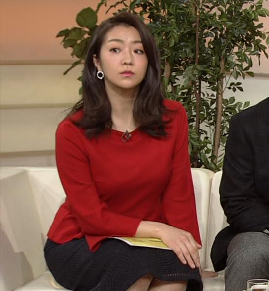 副島萌生アナ デカさが際立つ横乳キャプ・エロ画像12