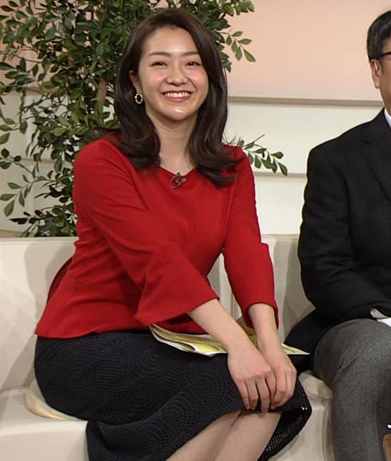 副島萌生アナ デカさが際立つ横乳キャプ・エロ画像13