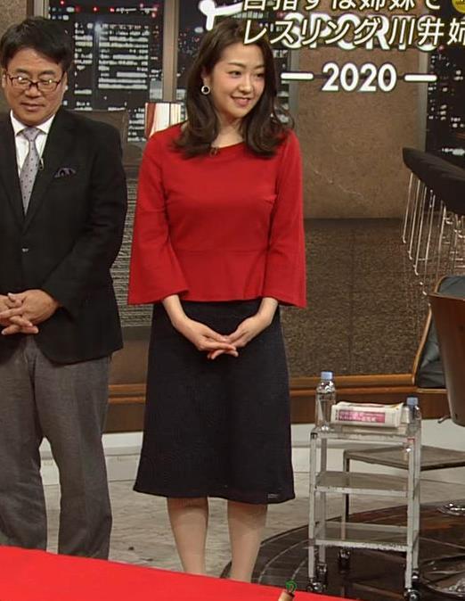 副島萌生アナ デカさが際立つ横乳キャプ・エロ画像6